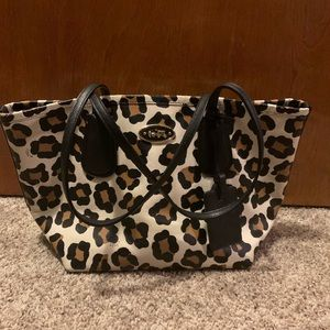 COACH Leopard Cheetah Shoulder Tote Purse Bag EUC
